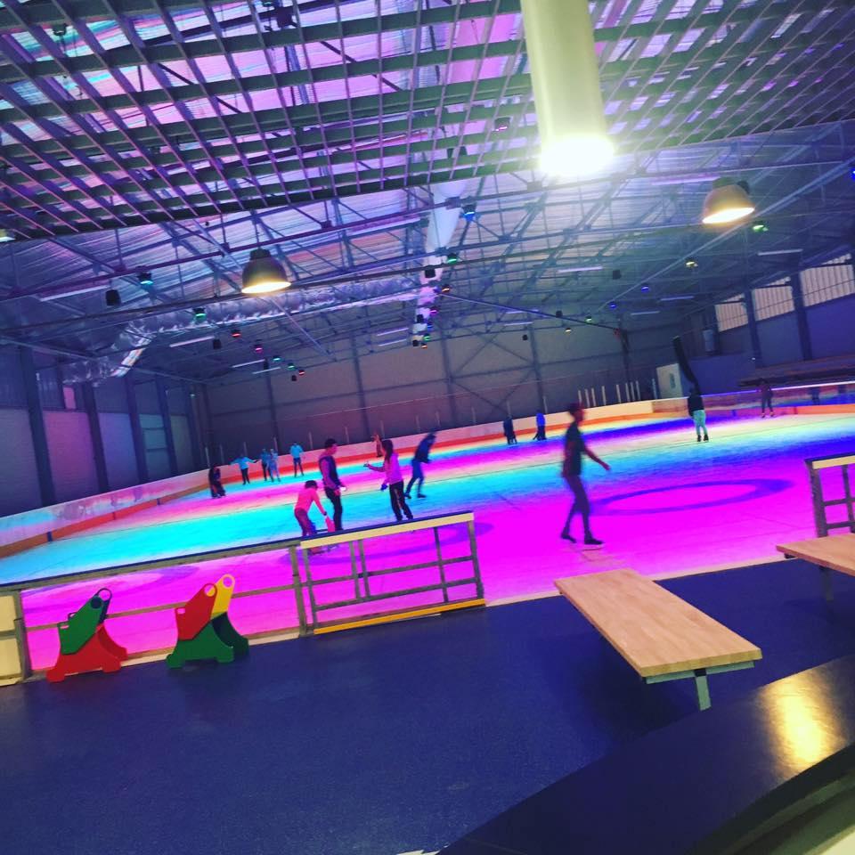 Mega glisse installation la patinoire de pont de vaux for Piscine pont de vaux